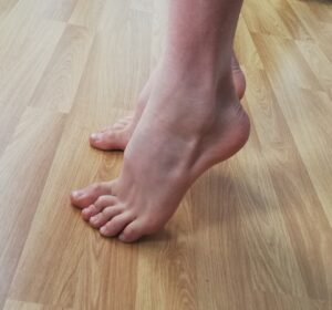 Feet rising up onto the toes for strengthening exercises